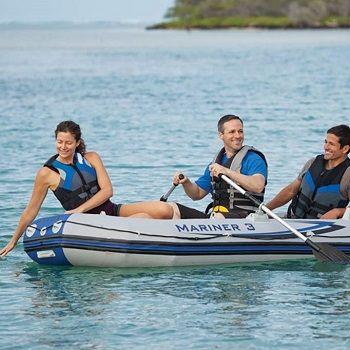 Top 5 des bateaux gonflables avec moteur de pêche à la traîne (électrique)